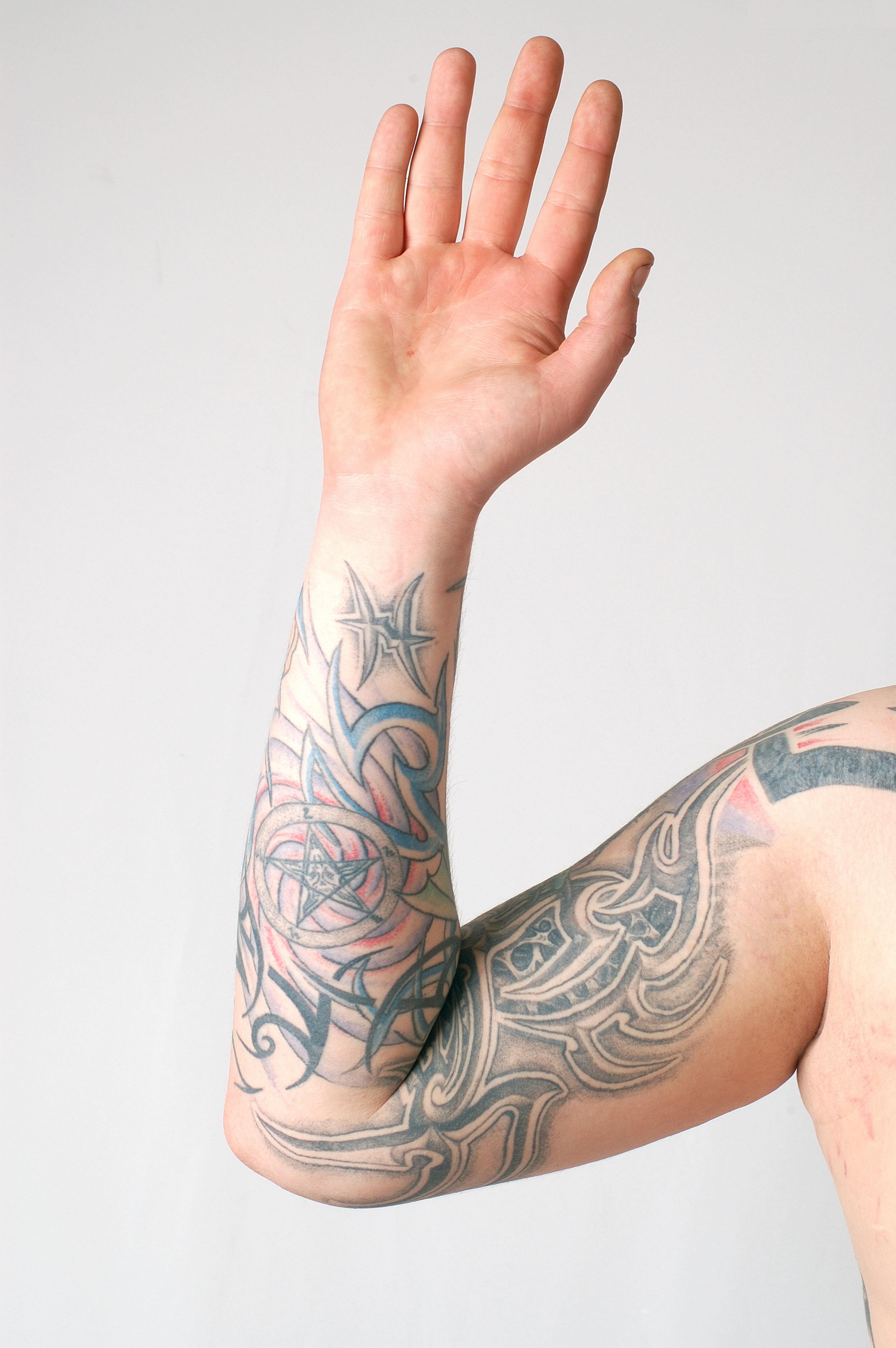 Miley Cyrus Seeks Out Laser Tattoo Removal | National Laser Institute
