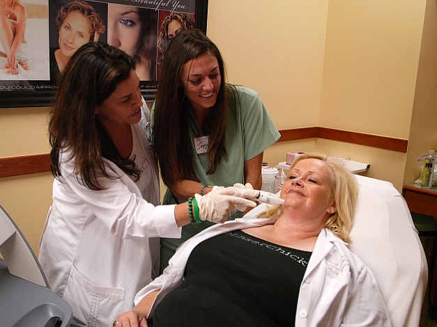 Esthetician general subjects in college