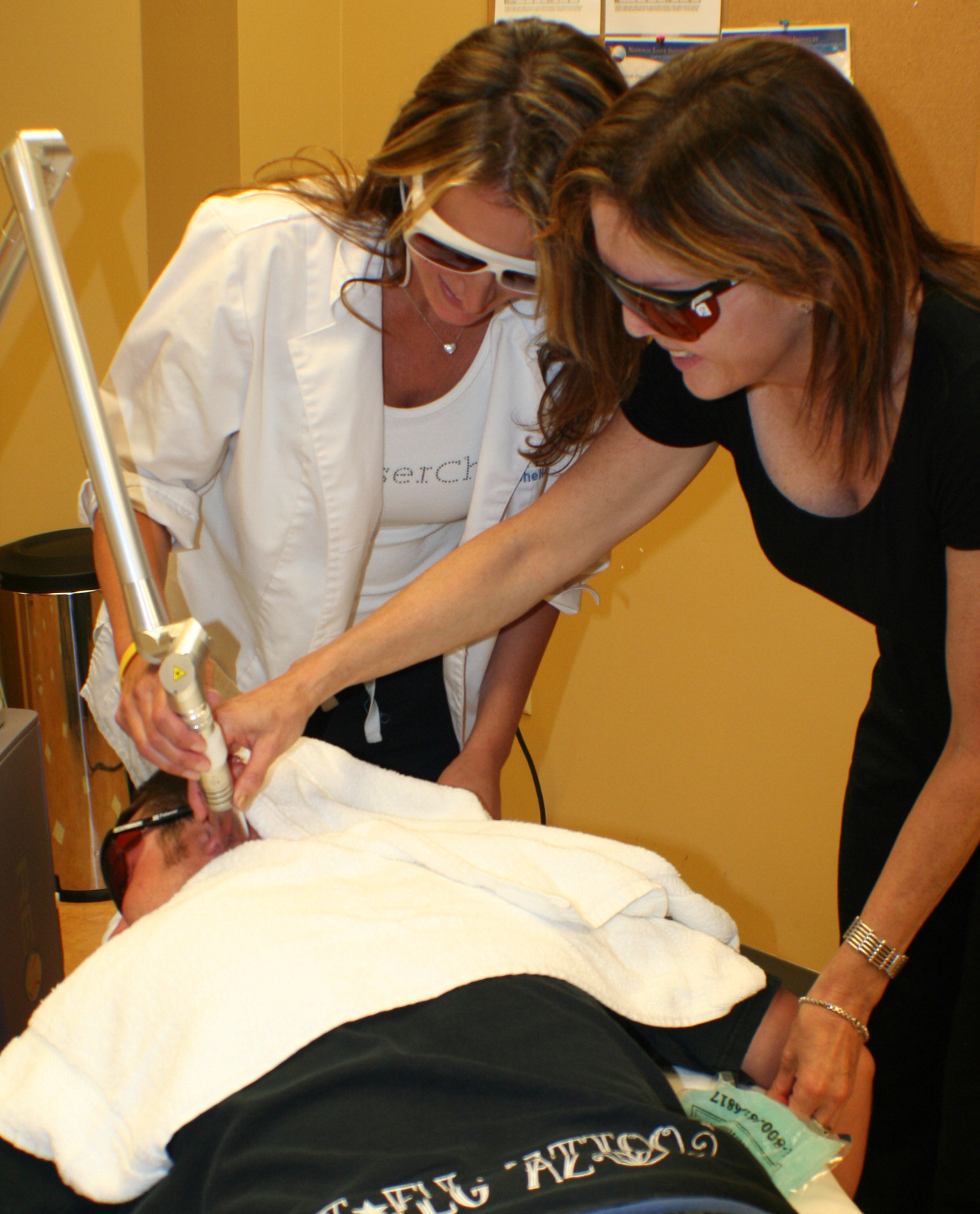 Tattoo removal training cosmetic laser school nli for Laser tattoo removal certification