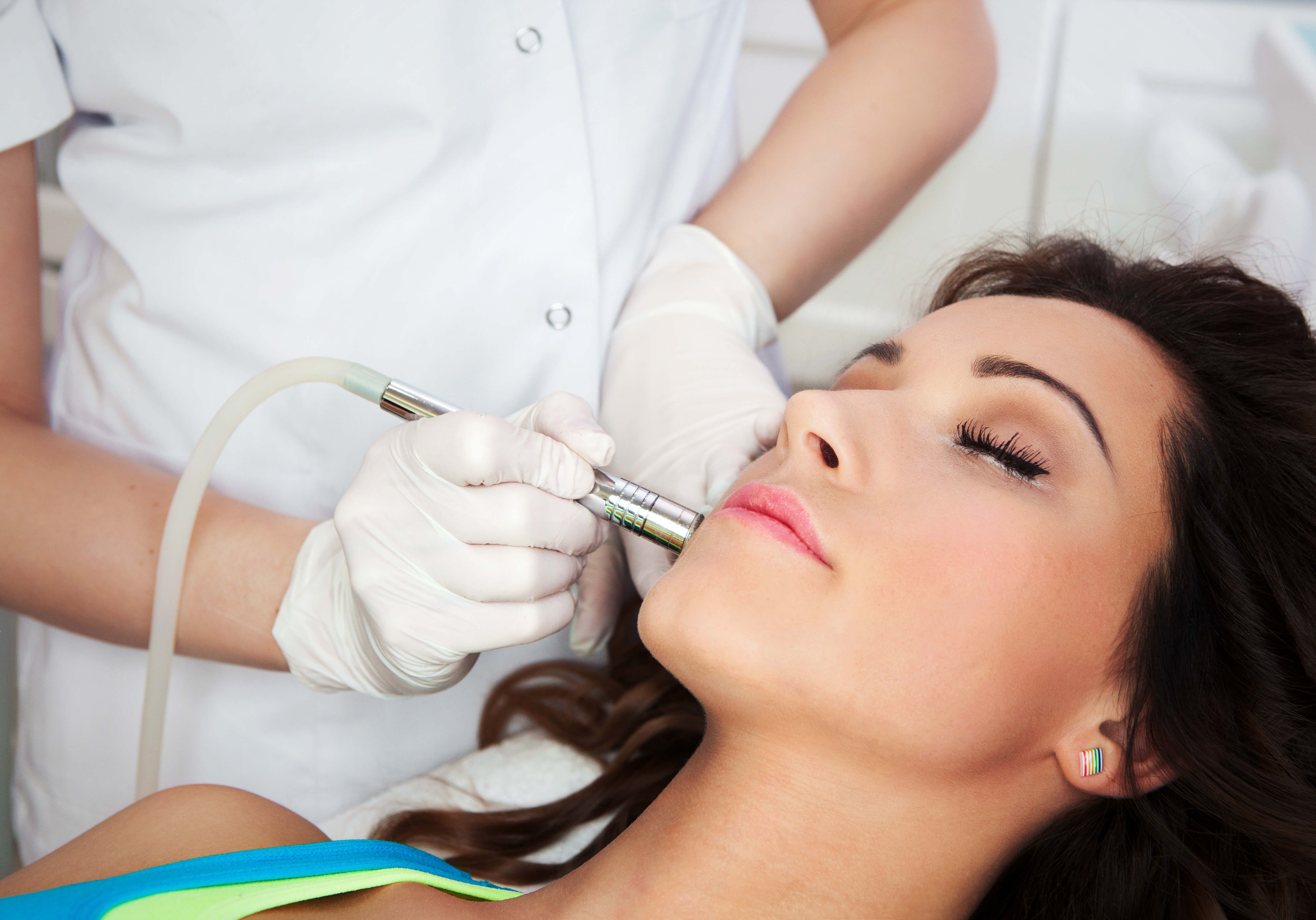 Advance Your Career in the Anti-Aging Industry With Cosmetic Lasers