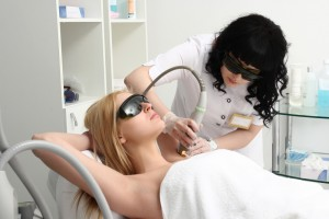 How to become a cosmetic laser technician
